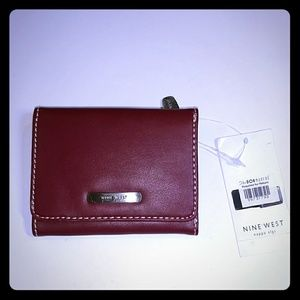 NINE WEST TRIFOID SMALL WALLET